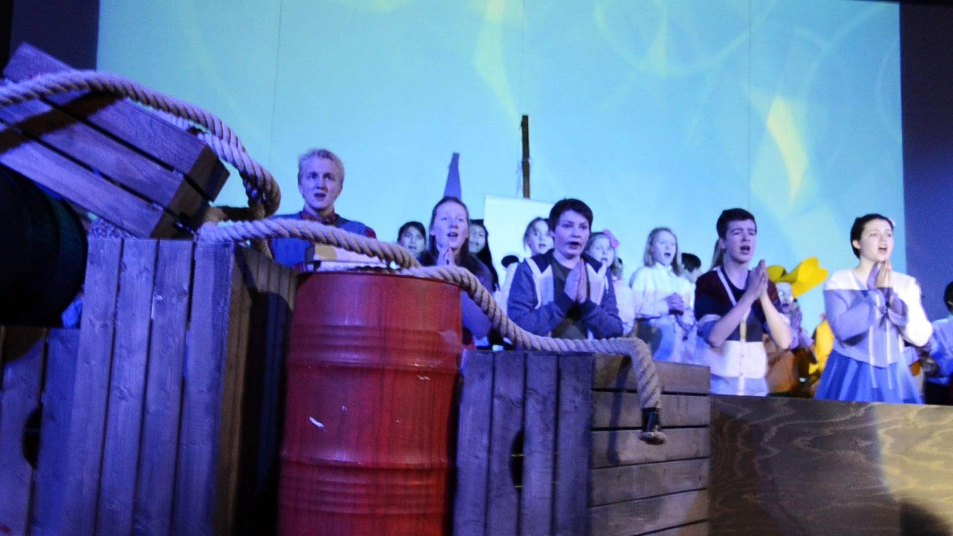 Videoprojektionen NOAH UND DIE FLUT | TfN Hildesheim